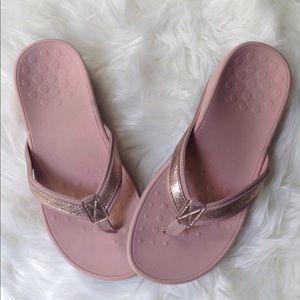Vionic Light Pink Low Platform Sandals Flip Flops